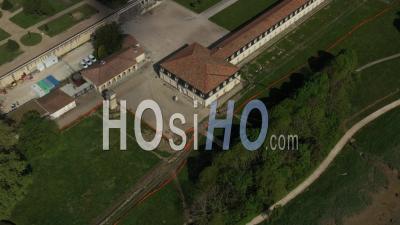 Rochefort Et La Corderie Royale, Pendant L'épidémie De Covid-19 – Video Par Drone