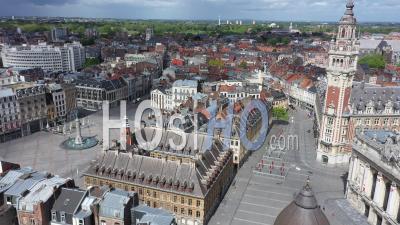 Vide Place De L'opera De Lille La Fête Du Travail Pendant Le Confinement En Raison De Covid-19 - Vidéo Drone