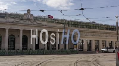Montpellier Et Sa Place De La Comédie Au Cours De L'épidémie De Covid-19, France - Vidéo Drone
