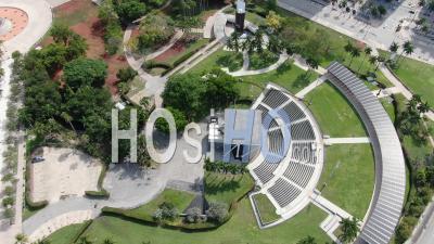 Images Aériennes Covid-19 Du Parc Bayfront Et Du Boulevard Biscayne, Au Centre-Ville De Miami - Vidéo Drone