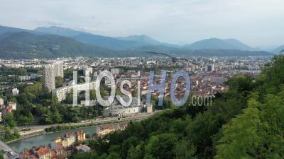 Grenoble En été