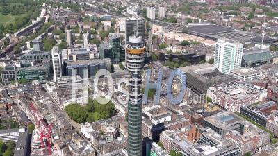 Tour Bt Avec Message Nhs Covid-19 Pendant Le Confinement Du Au Covid-19, Londres, Filmé Par Hélicoptère