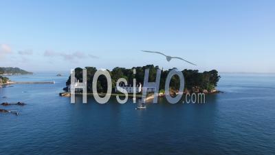 Vue Sur L'île De Tristan à Douarnenez, Le Matin, Par Drone, Finistère, Bretagne, France