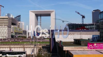 La Grande Arche De La Défense à Paris, Vidéo Drone