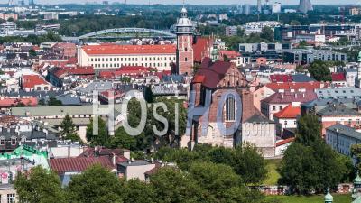 Kosciol Swietych Apostolow Piotra I Pawla, Kazimierz, Jewish District, Dzielnica Zydowska, Krakow, Cracow - Video Drone Footage
