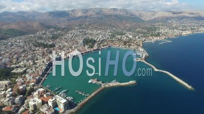 Vue D'oiseaux Du Port De Chios - Vidéo Filmée Par Drone