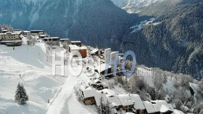Station De Ski Fermée En France - Vidéo Par Drone