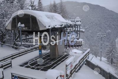 Closed Ski Lift In French Ski Resort, Covid 19