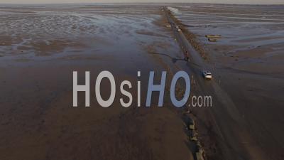 Passage Du Gois à Marée Haute Côté Noirmoutier Vidéo Drone