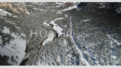 Vallée De La Clarée Près De Briançon, Hautes-Alpes, France, Vidéo Prise Par Drone