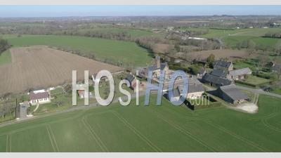 La Ville De Saint Senier De Beuvron En Hiver - Vidéo Par Drone