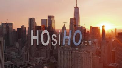 Belle Ambiance De Coucher De Soleil Dans Les Toits De Manhattan à New York Belle 4k - Vidéo Par Drone