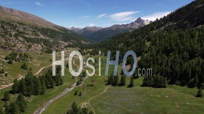 La Haute Vallée De La Clarée, Hautes-Alpes, France, Vidéo Par Drone