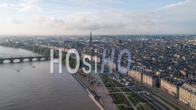 Établissement D'une Vue Aérienne De Bordeaux Fr, Capitale Mondiale Du Vin, Nouvelle-Aquitaine, France - Vidéo Par Drone