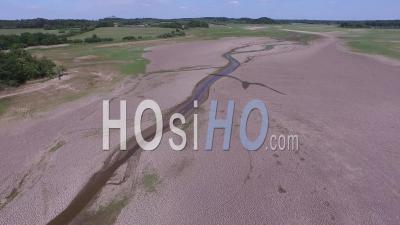 Survol Par Drone De L'étang De La Mer Rouge à Sec
