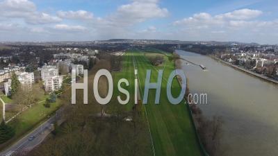 Cité De Maisons-Laffitte Et Hippodrome, Vu Par Drone