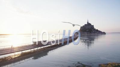 Mont Saint Michel à Marée Haute - Vidéo Par Drone