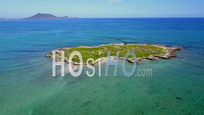 Flat Island, Kailua Bay, Hawaii - Drone Point Of View