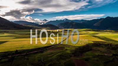 Vallée Sacrée, Près De Maras, Région De Cusco Vue Par Drone