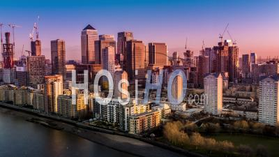 Canary Wharf à L'aube, Londres - Vidéo Drone